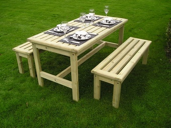 Table and Bench set Garden Furniture